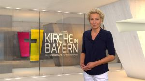 "Bernadette Schrama moderiert das ökumenische Fernsehmagazin ""Kirche in Bayern"" am Sonntag, 15. September."
