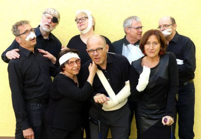 """""""An der Schmerzgrenze"""" ist das neueste Programm des Kirchenkabaretts """"Cherubim"""" überschrieben. Es hat am Freitag, 18. Oktober, in Münsterschwarzach Premiere."""