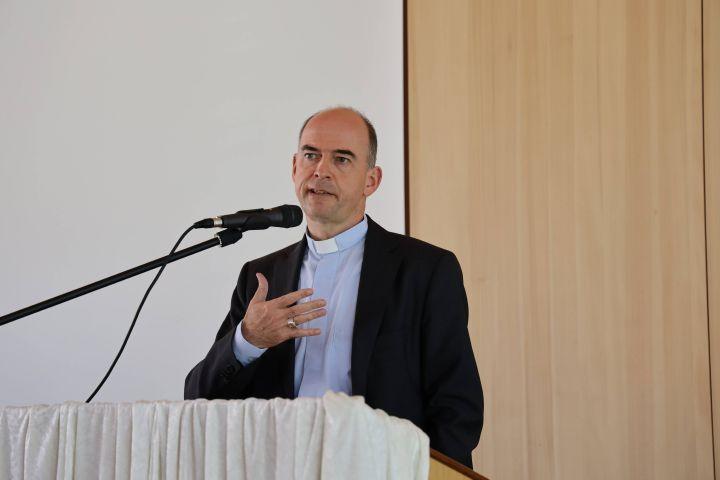 """""""Wir müssen durch unsere Arbeit überzeugen"""", betonte Bischof Dr. Franz Jung vor rund 130 Teilnehmern eines diözesanen Forums in Eisingen."""