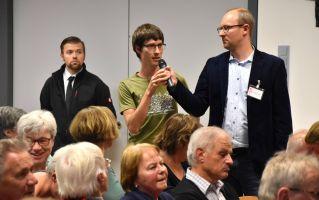 Bei der Diskussion stellte sich der Referent Heribert Prantl auch den kritischen Fragen des Publikums.
