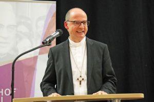 Bischof Dr. Franz Jung lobte die Vielseitigkeit der kirchlichen Jugendarbeit im Bistum.