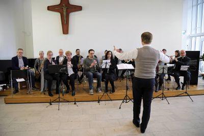 """Das frisch gegründete """"BO-Projektorchester"""" begleitete die Feier mit weihnachtlichen Weisen."""