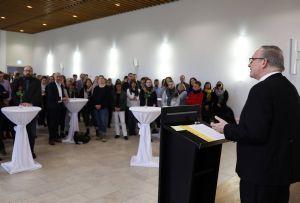 Generalvikar Thomas Keßler  die Mitarbeiterinnen und Mitarbeiter des bischöflichen Ordinariats Würzburg am Dienstag, 7. Januar, dazu aufgerufen,  voller Hoffnung und Optimismus Jesus Christus zu folgen und in die 2020er Jahre aufzubrechen.