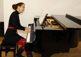 Ruth Weisel umrahmte die Veranstaltung musikalisch.