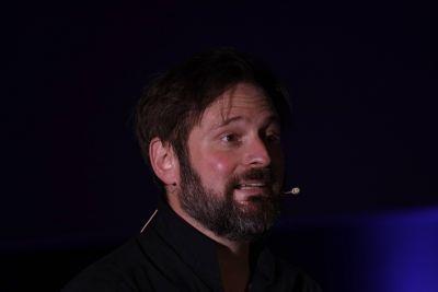 Das Johannesevangelium hat Schauspieler Kai Christian Moritz im Würzburger Central im Bürgerbräu als szenischen Monolog vorgetragen.