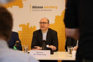 Bischof Dr. Franz Jung gab einen Ausblick auf das kommende Jahr.