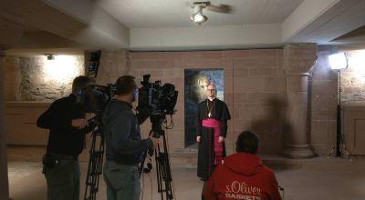 Das Hirtenwort zum ersten Fastensonntag 2020 nahm Bischof Dr. Franz Jung in der Krypta das Würzburger Kiliansdoms auf.