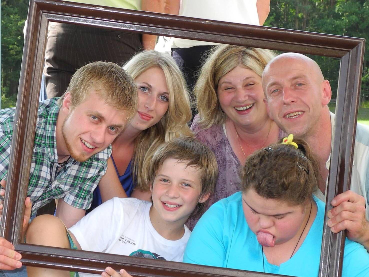 Als Familie gehen sie durch dick und dünn (von links): Philipp, Kathrin, Tim, Marion, Selina und Michael Glaser.