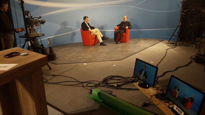 Bei TV Mainfranken ist Bischof Dr. Franz Jung am Donnerstag, 19. März, um 18 Uhr im Gespräch mit Daniel Pesch zu sehen. Das Thema: die aktuelle Coronakrise.