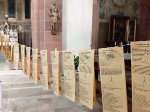 """Die Pfarrei Sankt Nikolaus in Wörth am Main bietet in der Pfarrkirche """"Gottesdienste zum Mitnehmen"""" an."""