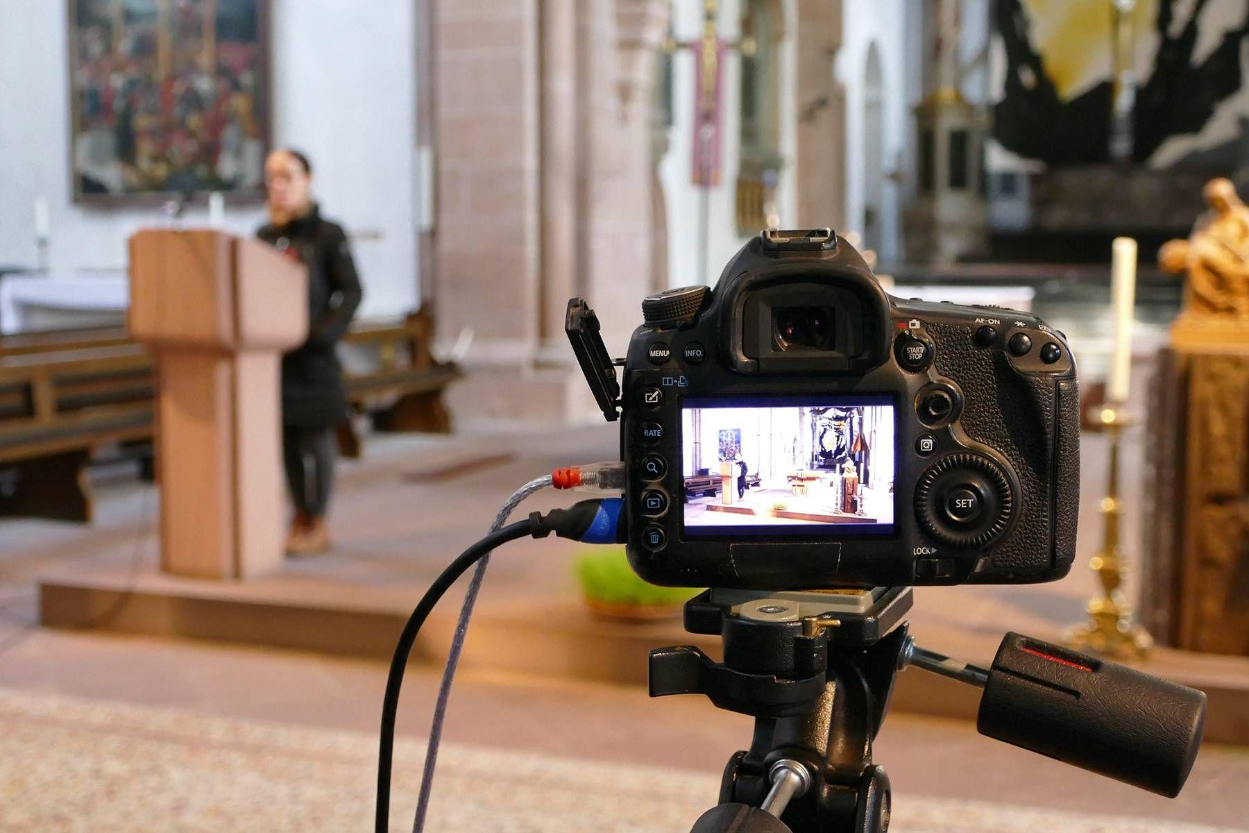 Ab sofort werden Gottesdienste im Livestream aus der Stiftsbasilika gesendet.