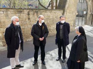 Bischof Dr. Franz Jung (2. von links) im Gespräch mit Professor Dr. Klaus Reder von Sant'Egidio, Pfarrer Dr. Matthias Leineweber und Erlöserschwester Helma pangerl.