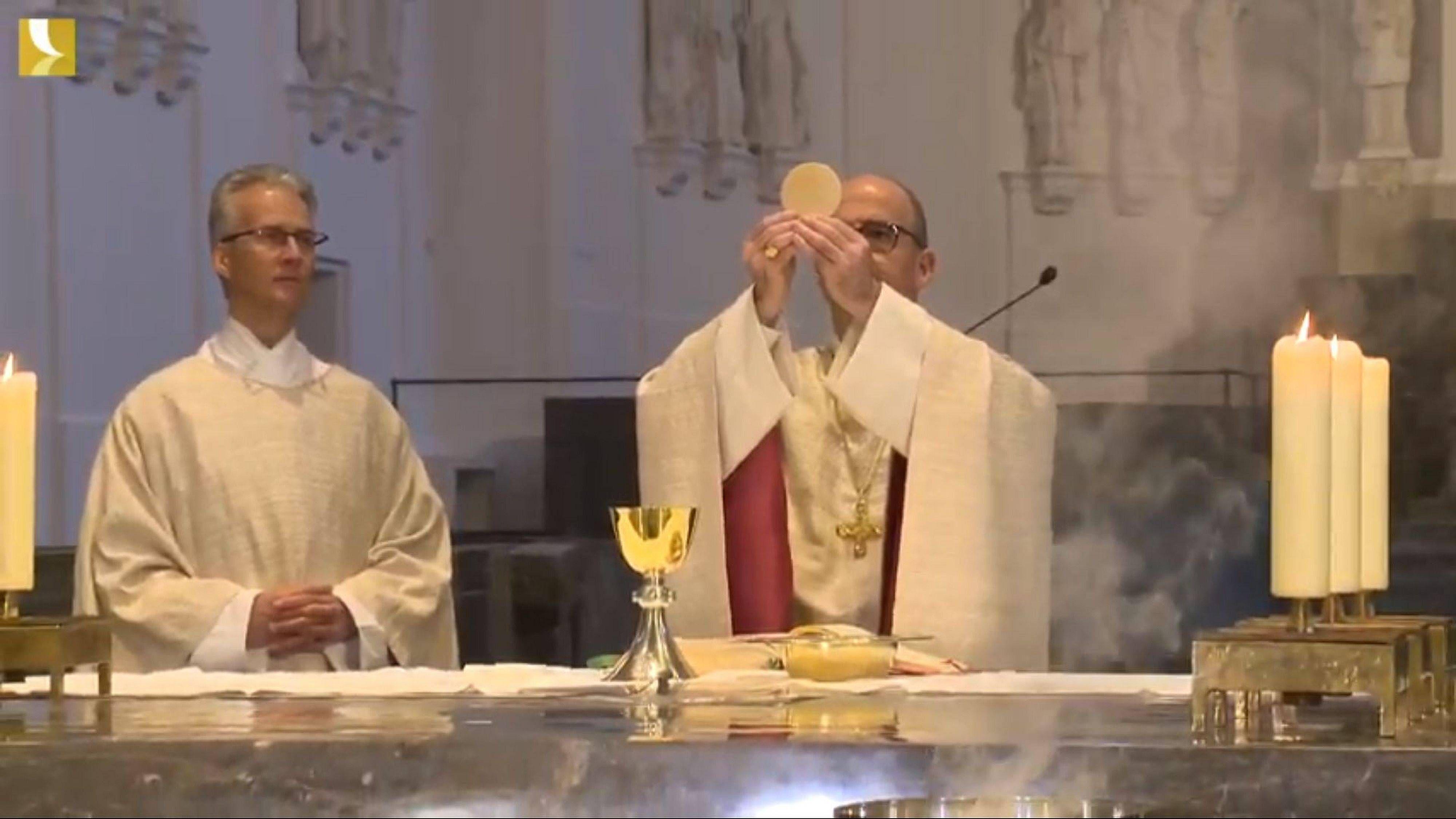 Bischof Dr. Franz Jung feierte am Gründonnerstag, 9. April, nichtöffentlich die Messe vom Letzten Abendmahl.