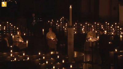 Bischof Dr. Franz Jung feierte am Samstag, 11. April, nichtöffentlich im Kiliansdom die Osternacht.