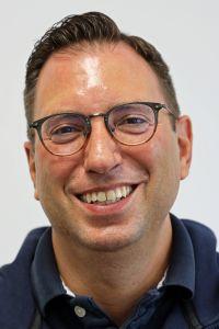 Professor Dr. Martin Stuflesser.