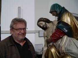 Joachim Salzmann, Vorsitzender des Förderkreises zum Erhalt der Lohrer Karfreitagsprozession, hat die Präsentation in der Kapuzinerkirche (oben) mitinitiiert.
