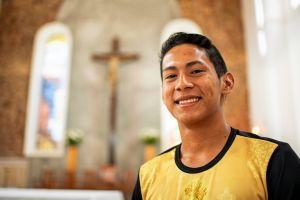 Ageu Rabelo Bastos aus dem brasilianischen Partnerbistum Óbidos will Priester werden. Adveniat unterstützt die Ausbildung von Priestern in Lateinamerika und der Karibik über eine Patenschaftsaktion.
