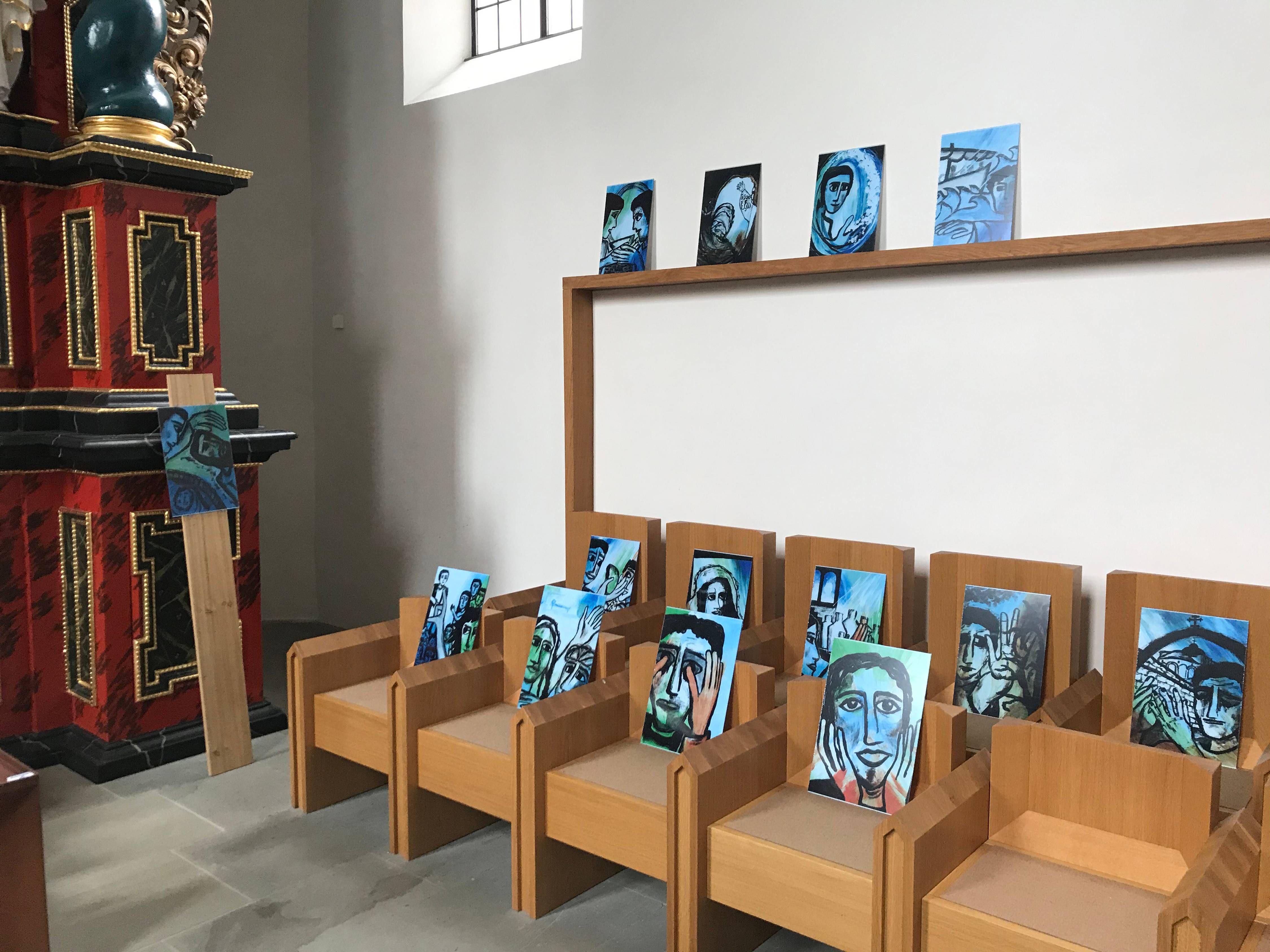 """""""50 Biblische Bilder"""" von Doris Hopf sind bis Fronleichnam, 11. Juni, in der Klosterkirche auf dem Volkersberg ausgestellt."""