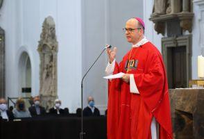 In seiner Predigt forderte Bischof Dr. Franz Jung mehr Solidarität und Rücksichtnahme als Konsequenzen aus der Coronakrise.