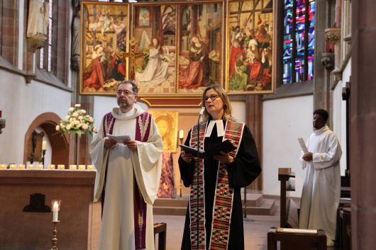 Pfarrer Dr. Matthias Leineweber und Pfarrerin Angelika Wagner leiteten das ökumenische Gebet in der Marienkapelle.