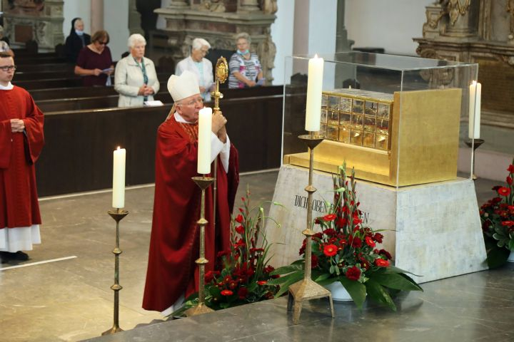 Weihbischof Ulrich Boom feierte im Kiliansdom einen Kiliani-Gottesdienst.