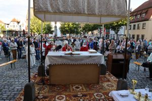 Weihbischof Ulrich Boom feierte am Dienstag, 7. Juli, einen Kiliani-Pontifikalgottesdienst in Haßfurt.