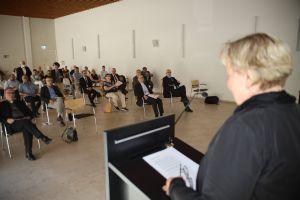 Zum Festakt im Burkardushaus begrüßte MAV-Vorsitzende Dorothea Weitz (rechts) die Gäste.