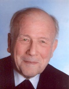 Pfarrer i. R. Elmar Albert.