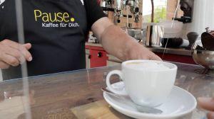 In der Nürnberger Pfarrei Sankt Ludwig kommt das Café zu den Menschen.