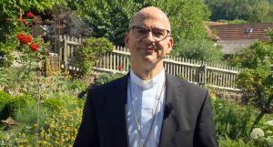 In seiner Videobotschaft zur Ferienzeit erklärt Bischof Dr. Franz Jung, warum der heilige Franziskus Inspirationen für die Sommerferien geben kann.