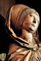 Die Skulptur der heiligen Elisabeth von Thüngen von Tilman Riemenschneider.