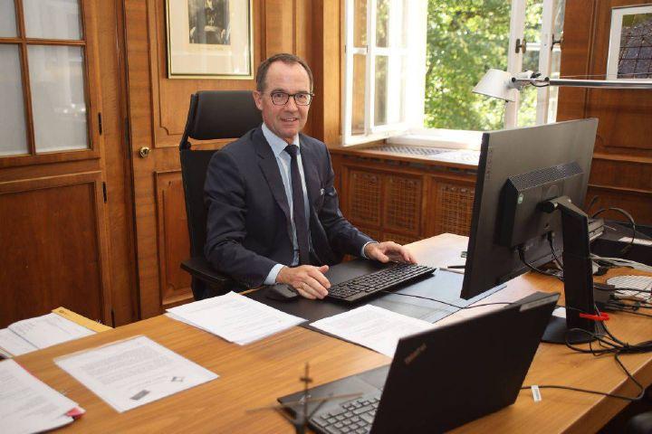 Robert Hambitzer, Leiter der Hauptabteilung Personal der Diözese Würzburg.
