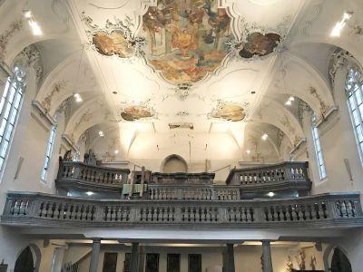 Nach dem Rückbau der alten Orgel klafft auf der Empore der Pfarrkirche Sankt Bartholomäus eine Lücke.