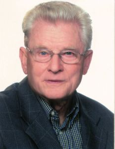 Studiendirektor a. D. Monsignore Heinrich Schlereth