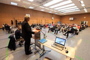 Die Herbstvollversammlung des Diözesanrats der Katholiken im Bistum Würzburg fand unter Coronabedingungen als Hybridveranstaltung in der Sankt-Ursula-Schule und als Videokonferenz statt.