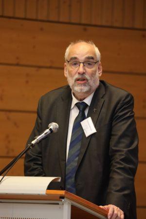 Domkapitular Christoph Warmuth betonte, dass die künftigen Pastoralen Räume mittelfristig ohnehin einer Überprüfung unterzogen würden, um zu sehen, ob sie in der Praxis funktionierten.