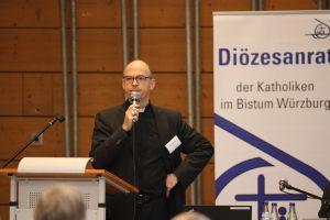 """Bischof Dr. Franz Jung lobte bei der Herbstvollversammlung des Diözesanrats unter anderem die Enzyklika """"Fratelli Tutti"""" von Papst Franziskus."""