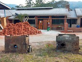 Die Renovierung des Gebäudes hat bereits begonnen. Doch um den Schaden in Höhe von rund 12.500 Euro zu bezahlen, ist das Krankenhaus auf Unterstützung angewiesen.