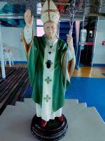 Eine Statue des namensgebenden Papstes Johannes Paul II. findet sich an Bord des neue Krankenhausschiffs.