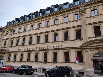 Das sanierte Matthias-Ehrenfried-Haus nimmt zum 16. November den Probebetrieb auf. Coronabedingt muss die offizielle Eröffnungsfeier vorläufig entfallen.