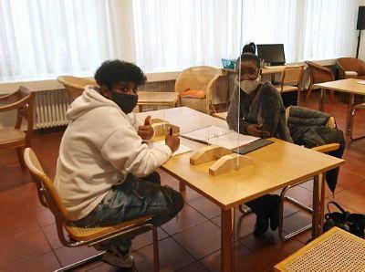 """Mit dem Projekt """"Samstags-Akademie für Auszubildende mit Migrationshintergrund"""" unterstützt die Gemeinschaft Sant'Egidio  junge Menschen beim Einstieg in die Ausbildungs- und Berufswelt."""