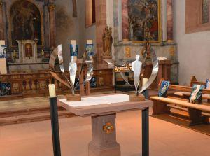 Die zwei Engel sind auf dem Altar in der St. Jakobuskirche ausgestellt.