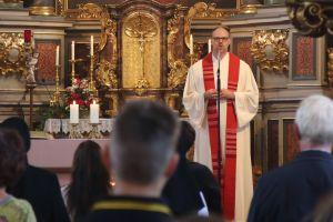 Pfarrer Thomas Menzel beim Gottesdienst in Mellrichstadt.