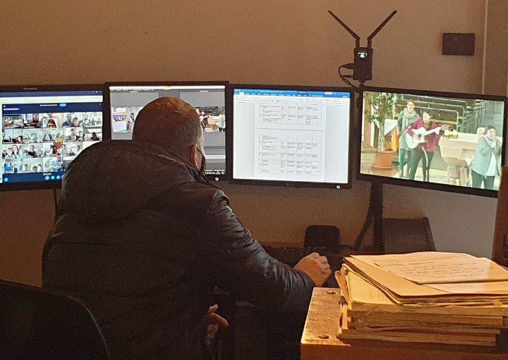 """Während des Lockdown Light wurden im Bistum erneut viele kreative digitale Angebote gemacht. Das Bild entstand beim virtuellen Familiennachmittag """"Meine Familie ist eine Wundertüte"""" des Familienbunds der Katholiken."""