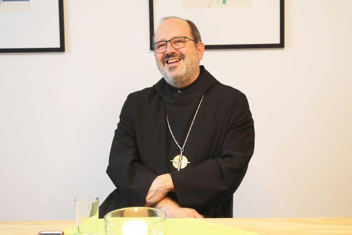 Auch bei den Benediktinern in Münsterschwarzach gibt es Weihnachtstraditionen, erklärt Benediktinerabt Michael Reepen.