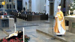 Bischof Dr. Franz Jung feierte am ersten Weihnachtstag, 25. Dezember, ein Pontifikalamt im Kiliansdom. Dieses wurde auf TV Mainfranken und im Internet übertragen.