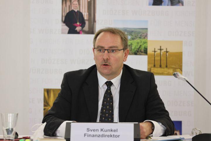 """Ordinariatsrat Bischöflicher Finanzdirektor Sven Kunkel, Leiter der Hauptabteilung """"Finanzen und Immobilien"""""""