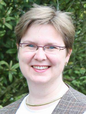 Religionslehrerin im Kirchendienst Diplom-Theologin Barbara Mack.