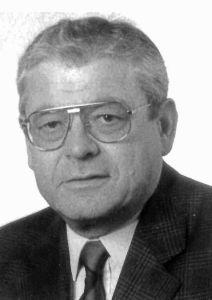 Pfarrer i. R. Dominikus Schmitt