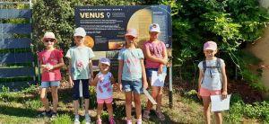 """Impression vom Zeltlager der Kolpingsfamilie Esselbach. Unter dem Motto """"Was wäre, wenn... wir keine Planeten hätten?"""" waren die Kinder in kleinen Gruppen auf dem Planetenweg unterwegs."""